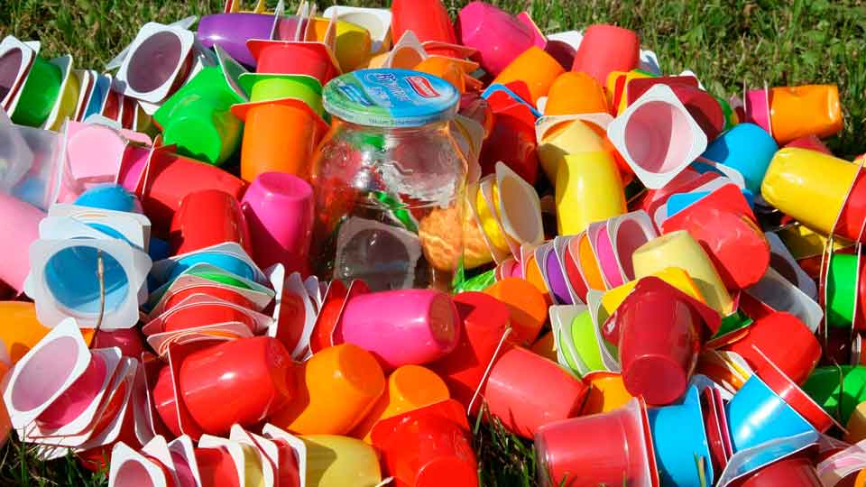 O consumo de plástico também sofre incremento