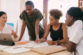 Mercado de trabalho: Saiba quais são as profissões que se destacam